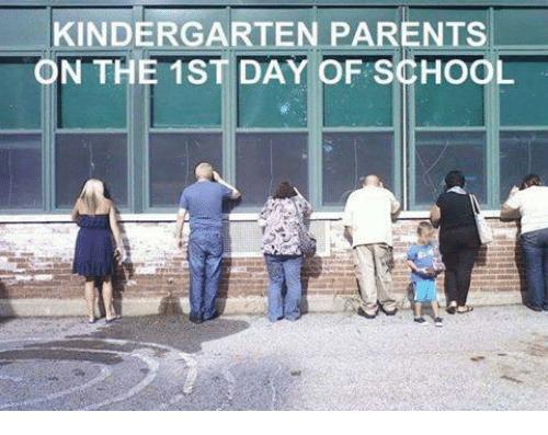 kindergarten-parents-n-the-1st-day-of-school